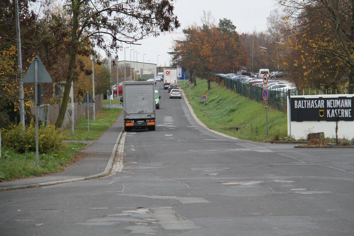 Der Ausbaubereich erstreckt sich 660 lang von der Haupteinfahrt zum Main-Center bis zur Trafostation am östlichen Kasernentor an der Zufahrt zum Gewerbegebiet Ost.