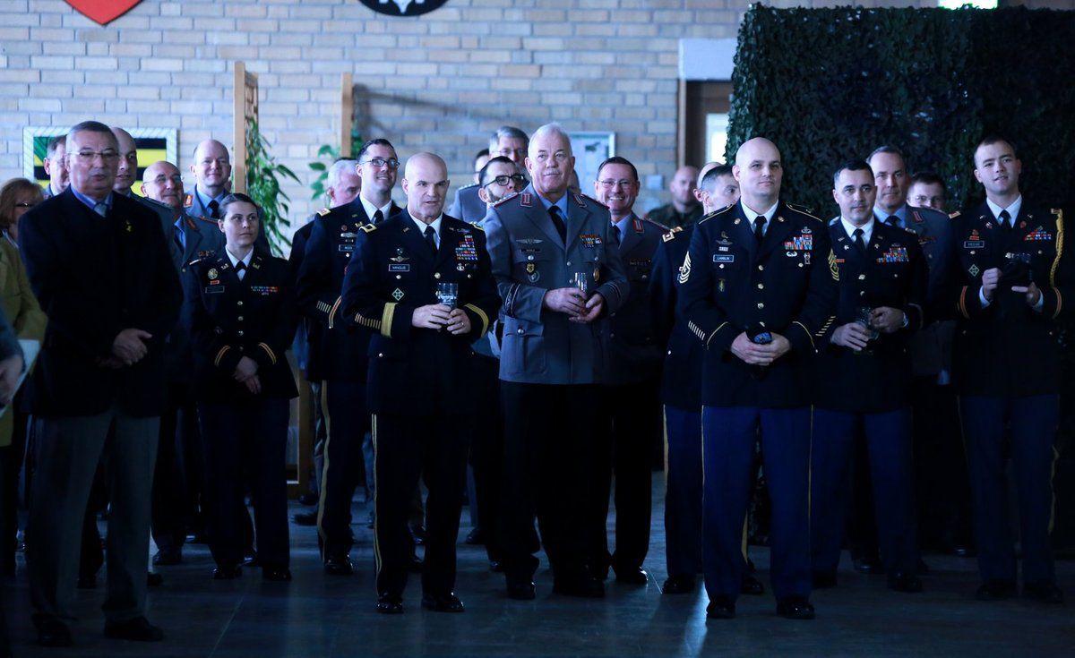 Schütts besonderer, sehr herzlicher Willkommensgruß galt zur Vertiefung der Zusammenarbeit und Partnerschaft den Kameraden von der 4. US-Infanteriedivision, angeführt von Brigadegeneral Mingus, stellvertretender Kommandeur der 4. Infanteriedivision.