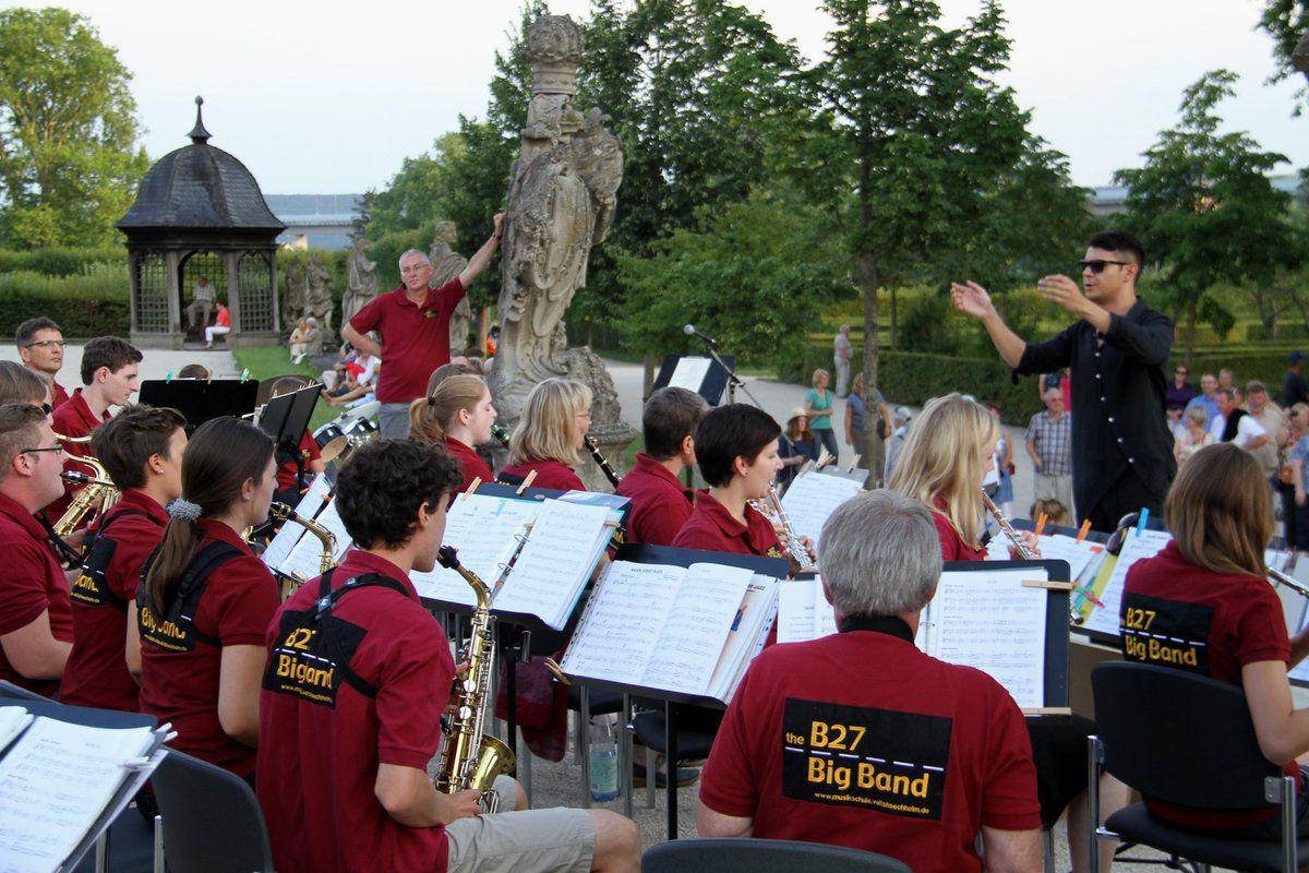 Erleben Sie Jazz, Swing und Filmmusik am 7. Mai in den Mainfrankensälen mit den Bigbands der Musikschulen Veitshöchheim und Dinkelsbühl