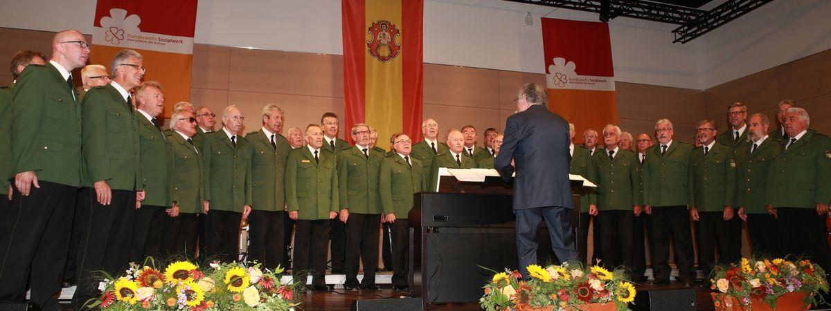 Brillantes Benefizkonzert des Bundeswehrsozialwerks in den Mainfrankensälen mit dem Polizeichor Würzburg und dem Bläsersextett des Heeresmusikkorps Veitshöchheim