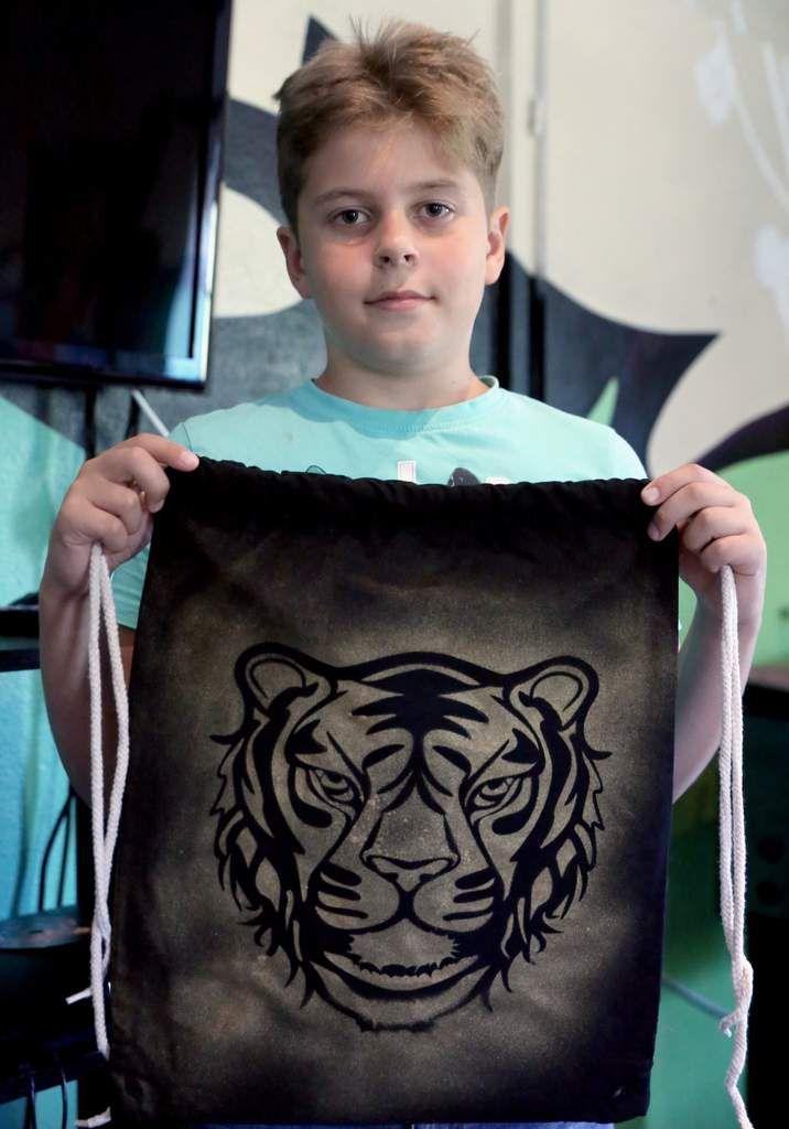 der zehnjährige Willi dagegen einen Tigerkopf.