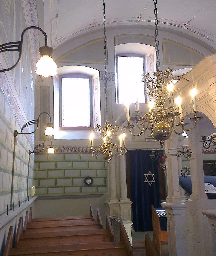 Veitshöchheimer Synagoge in neuem Licht – über 87 Prozent Energieeinsparung dank LED-Technik
