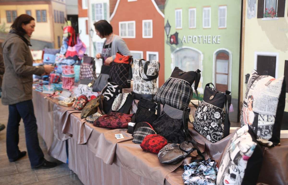 Stofftaschen für Groß und Klein und allerlei Accesoires gab es am Stand von Bianca Müßig.