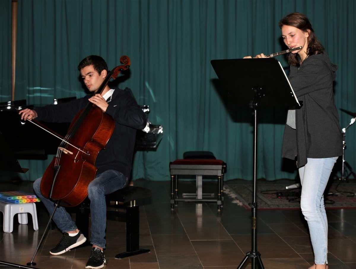 """Julie Lehner und Drystan Schmück: """"Adagio"""" für Querflöte und Cello von J.S. Bach"""