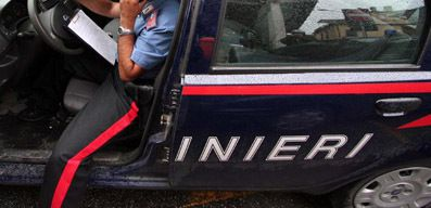 SALERNO E PROVINCIA NEWS Cava de' Tirreni, lo picchia credendolo un criminale ma era un carabiniere