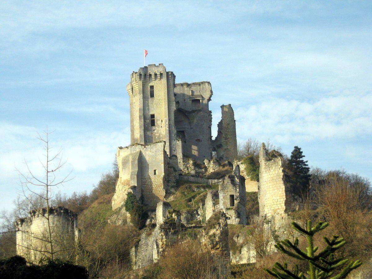 """Le château de Lavardin, un des """"Plus beaux villages de France"""""""