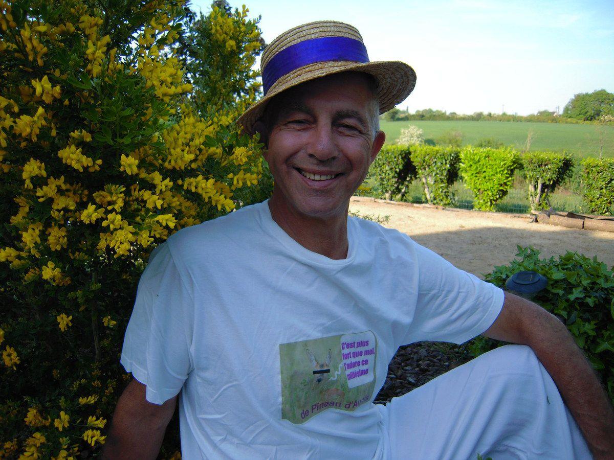 Michel Freyssinet et son célèbre canotier