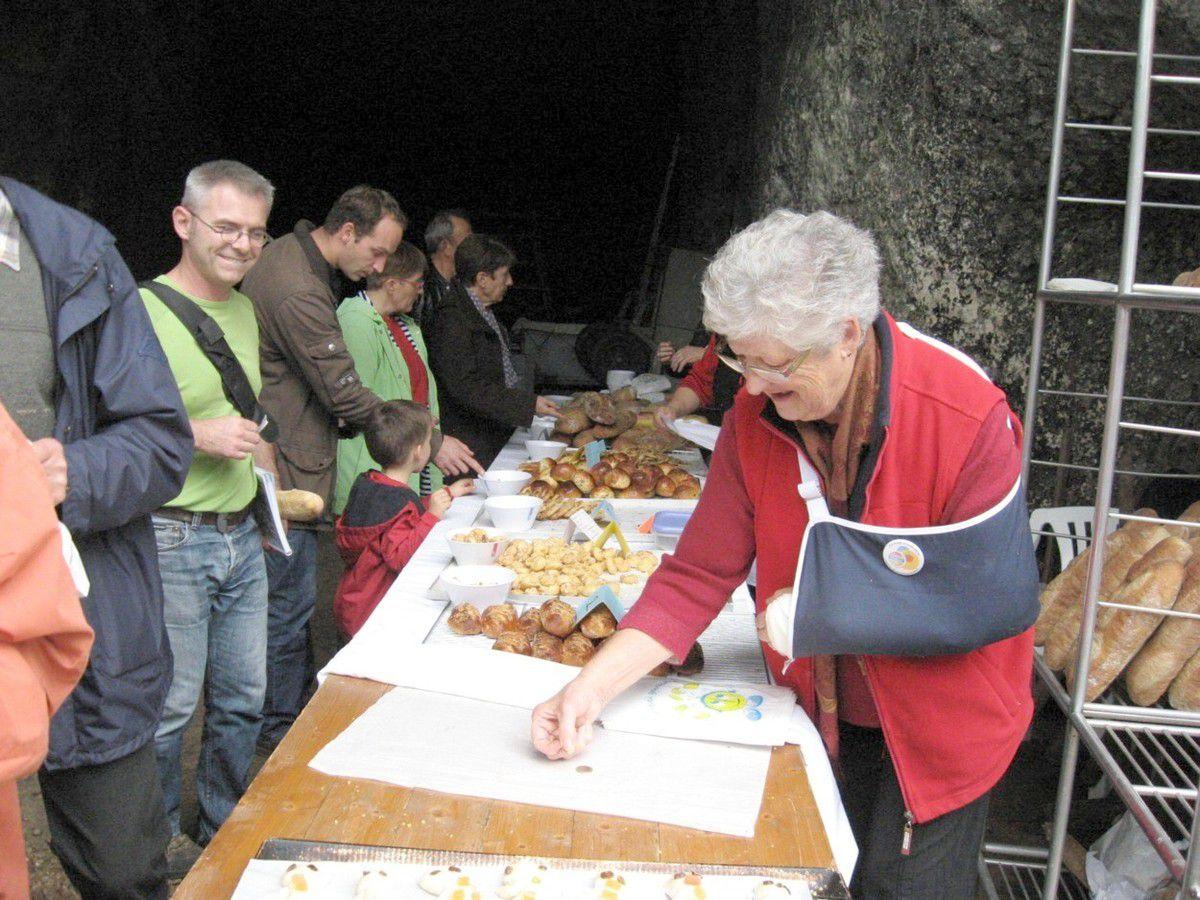 La Journée du goût est l'occasion de cuire le pain dans le vieux four du manoir