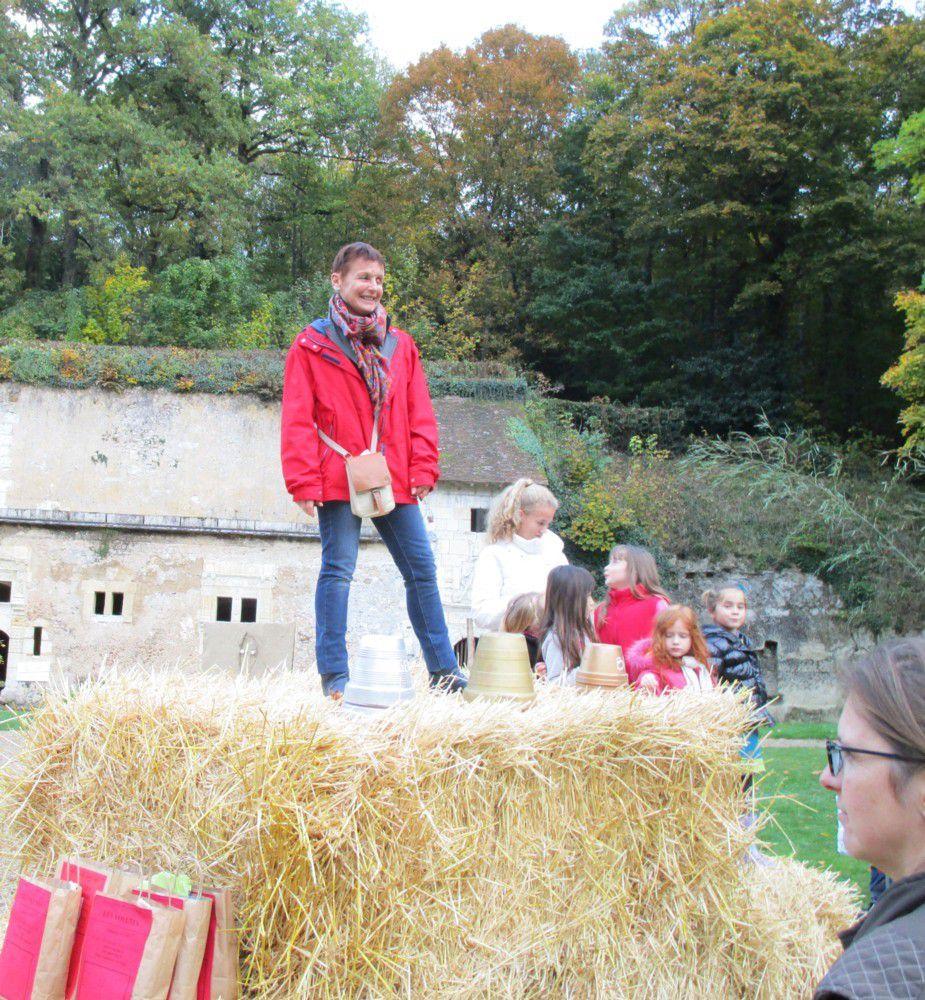 """Les école ont participé au concours de """"land-art """" dont les résultats ont été donnés par Geneviève en fin d'après-midi"""