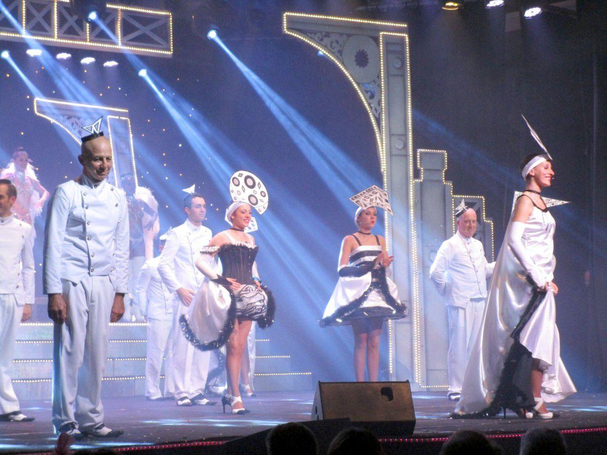 """La Revue """"Paradis"""" en octobre 2015 à La Chartre"""