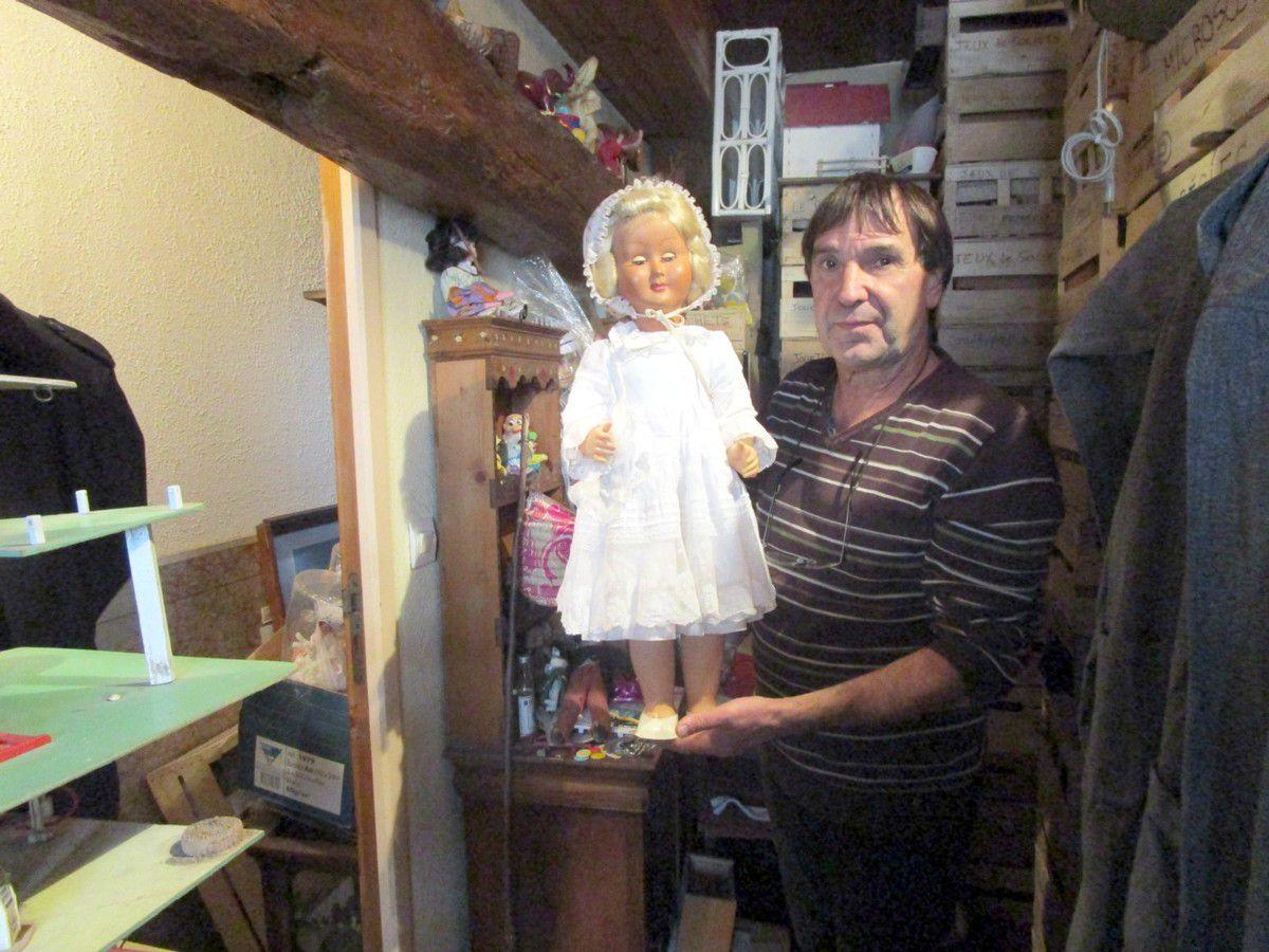 PhiliPhilippe Tournon exposera des poupées, du matériel scolaire, des petites voitures, des garages,etc&#x3B;