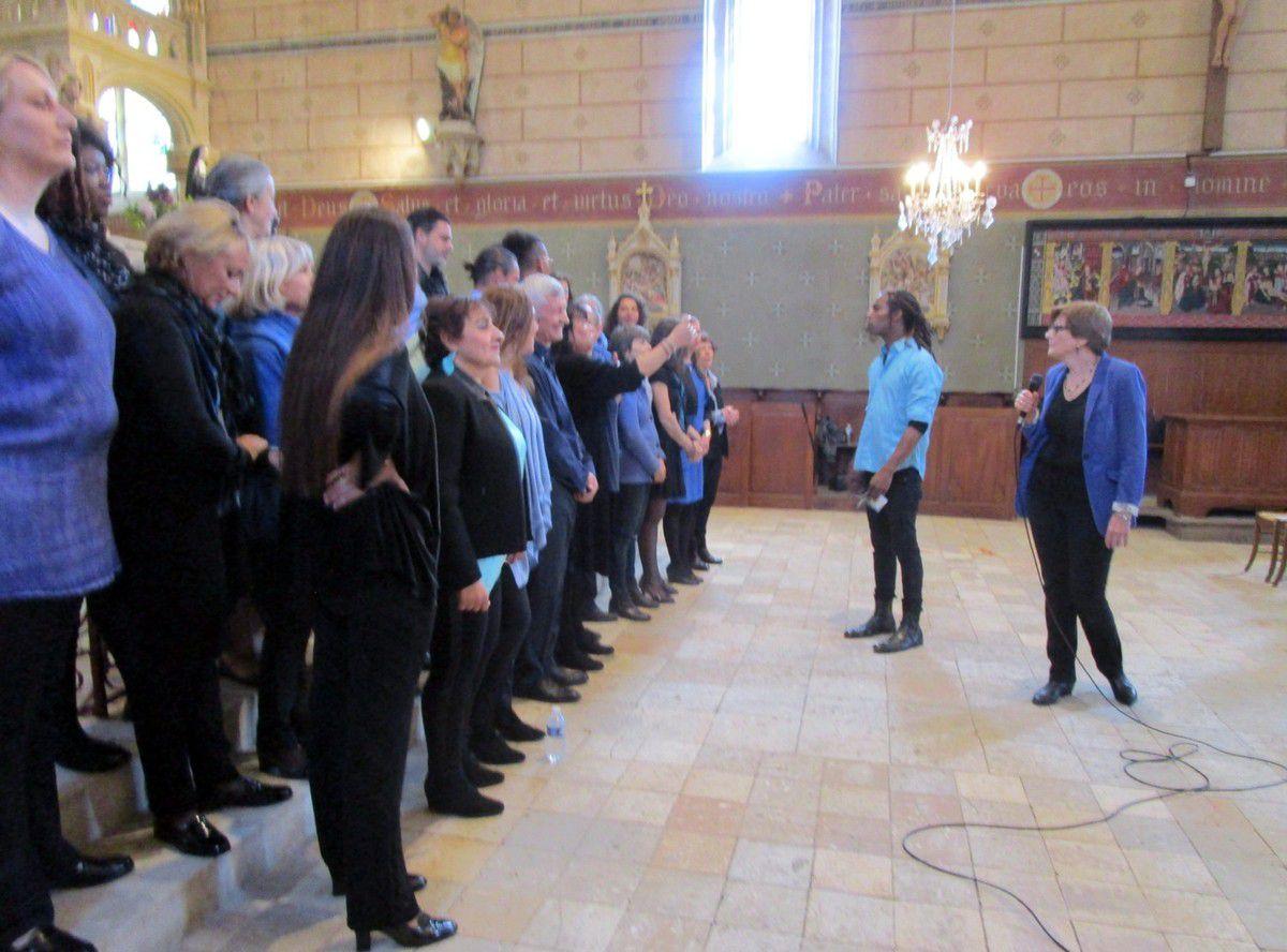 La chorale SED dirigée par Jua Amir
