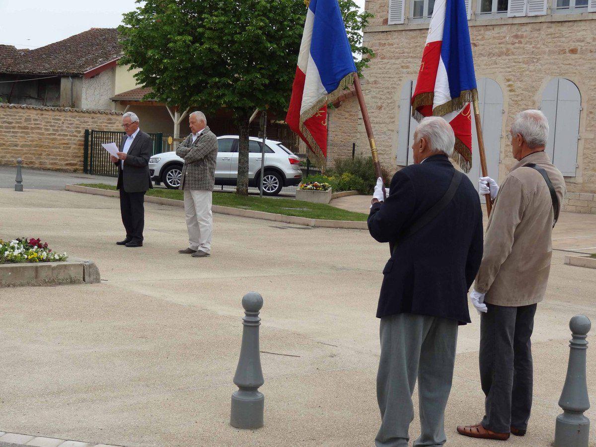 Théodore Delisle-de-Baize (106 ans) était présent à la cérémonie du 8 mai.