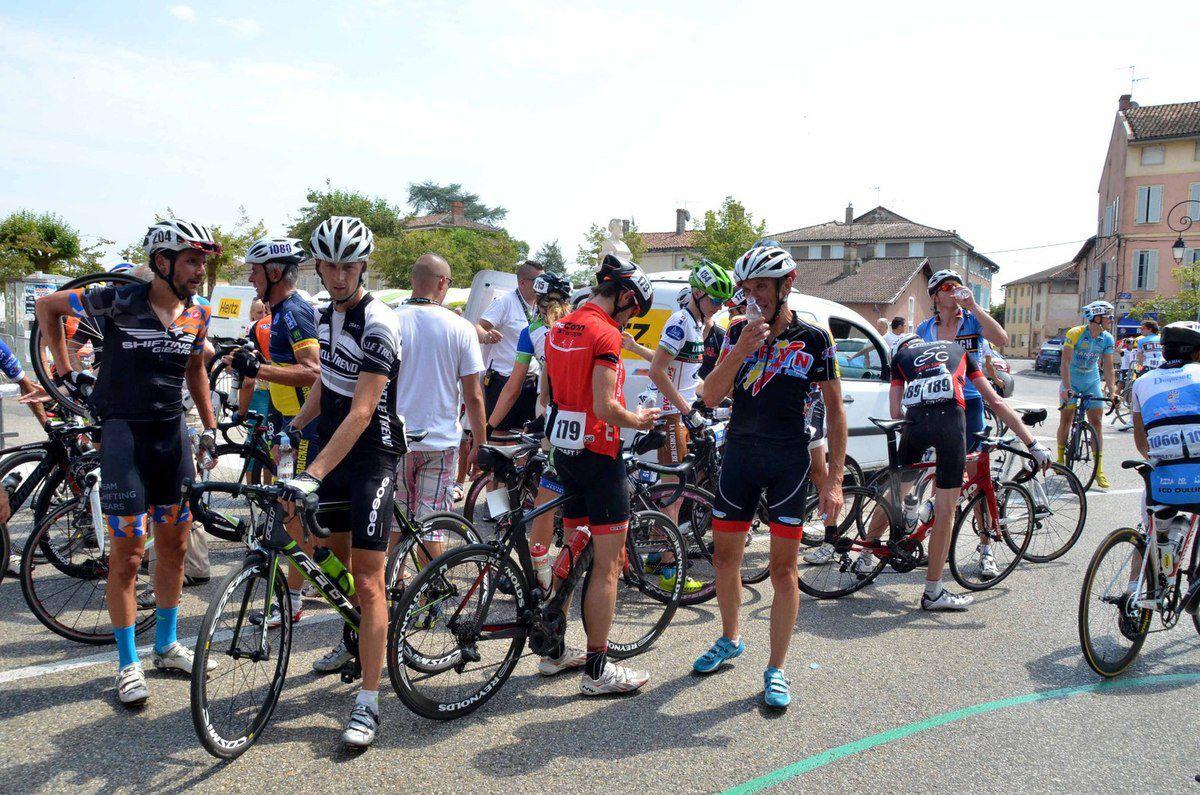 La foule était au rendez-vous de l'arrivée de la 2ème étape du Tour de l'Ain.