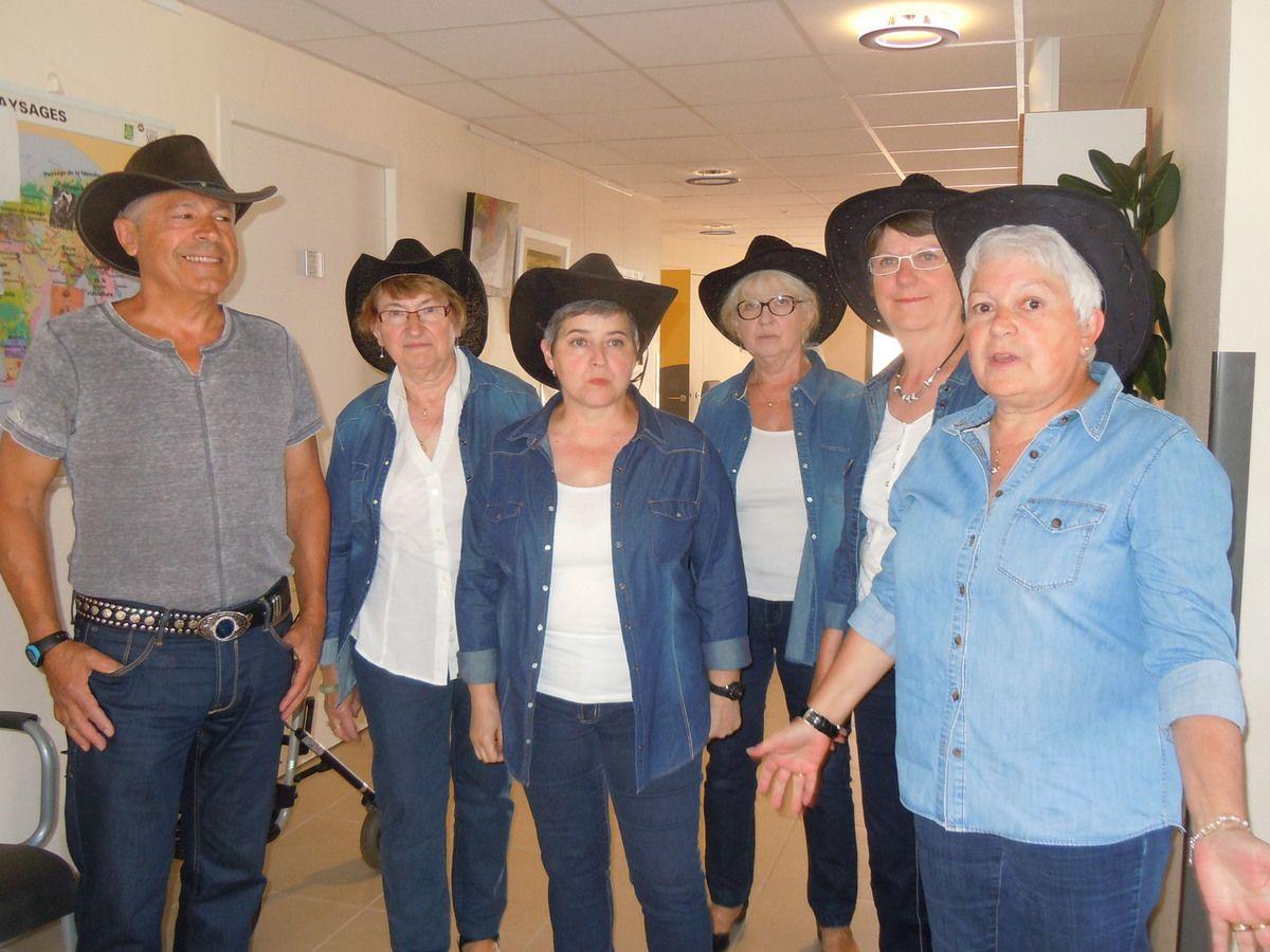 Le club amitiés et loisirs propose des cours de danse country.