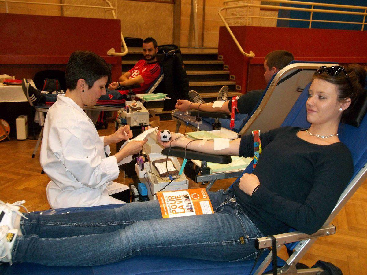 Naomie et Maeva Boyat donnent leur sang depuis l'an dernier.