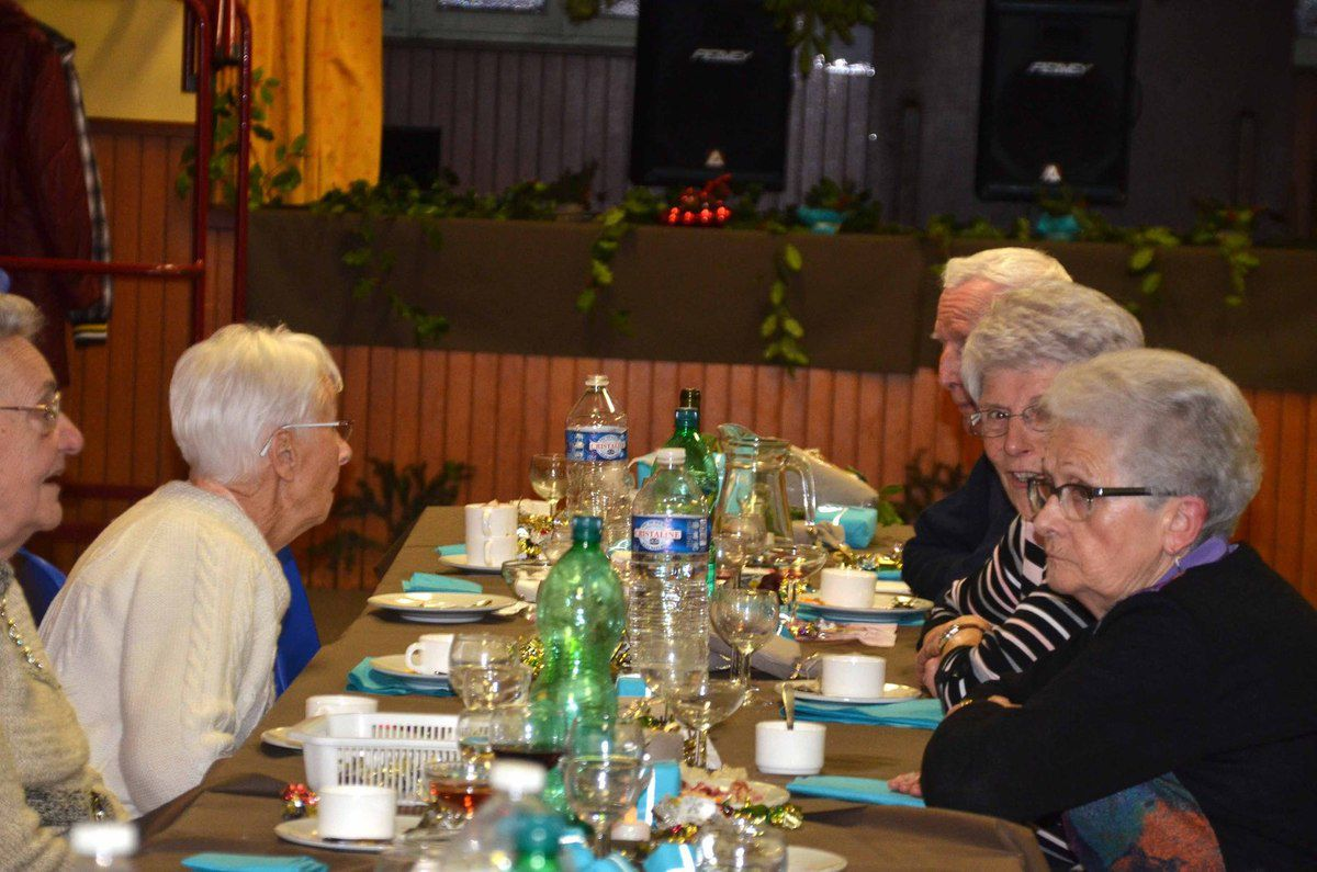 Le repas de fin d'année des personnes âgées a rassemblé 70 convives.