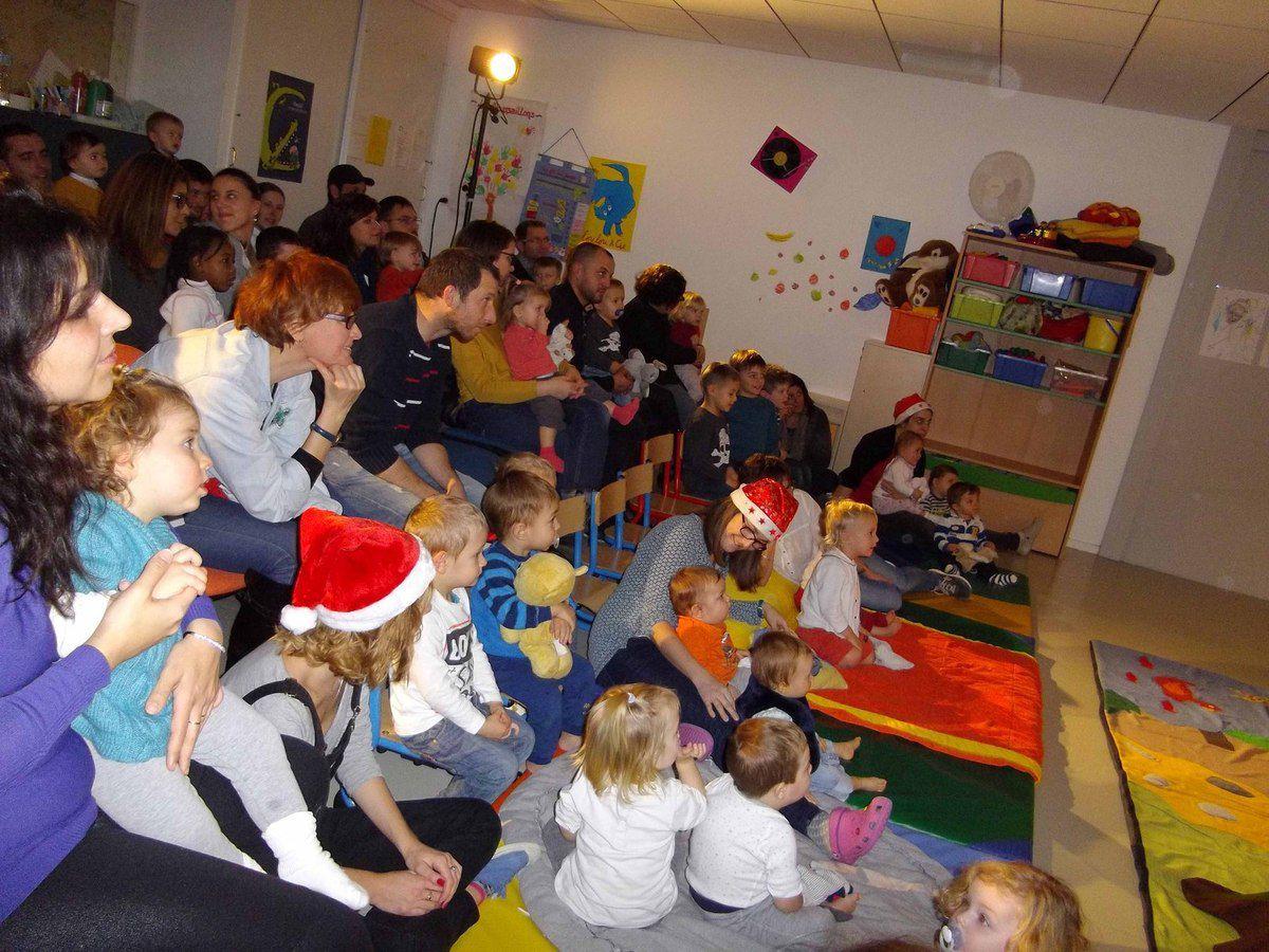 Spectacle de Noël au Pôle petite enfance.