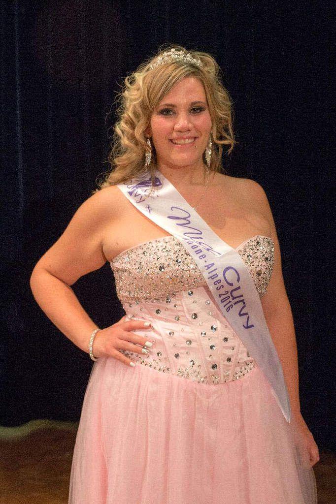 Après le titre Rhône-Alpes, Christelle Stizi est élue Miss Curvy Nationale 2017.