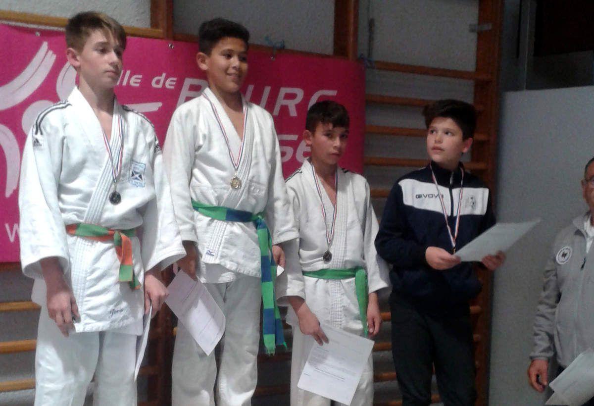 Un bon week-end pour les jeunes du Judo club.