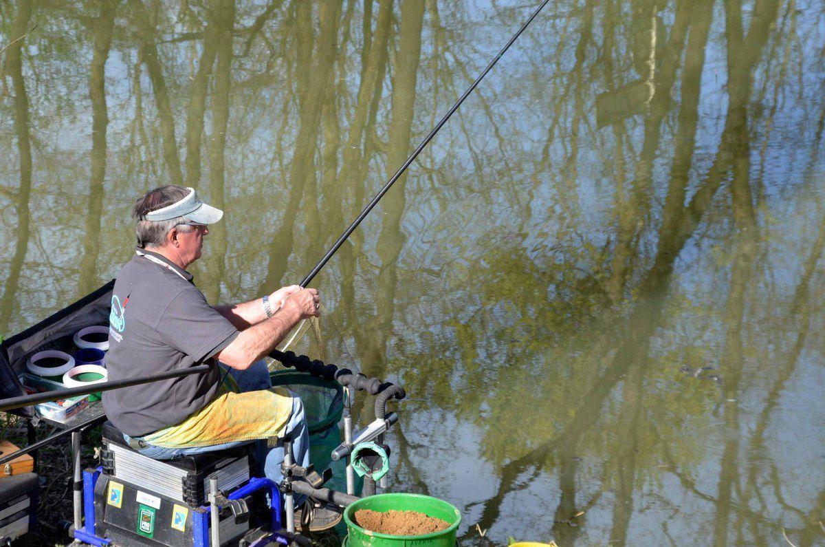 Les vétérans de l'Ain ont lancé une série de 17 concours de pêche.