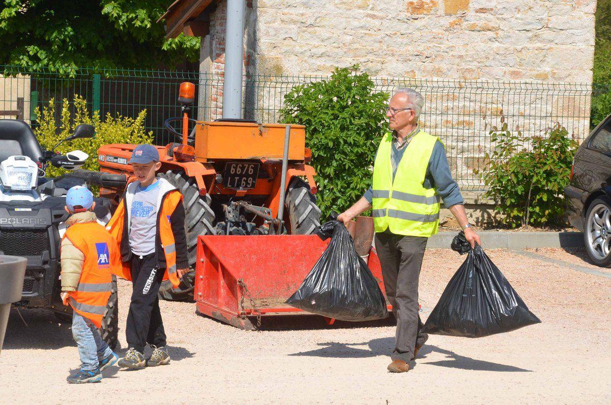 Grand nettoyage de printemps à Ozan.
