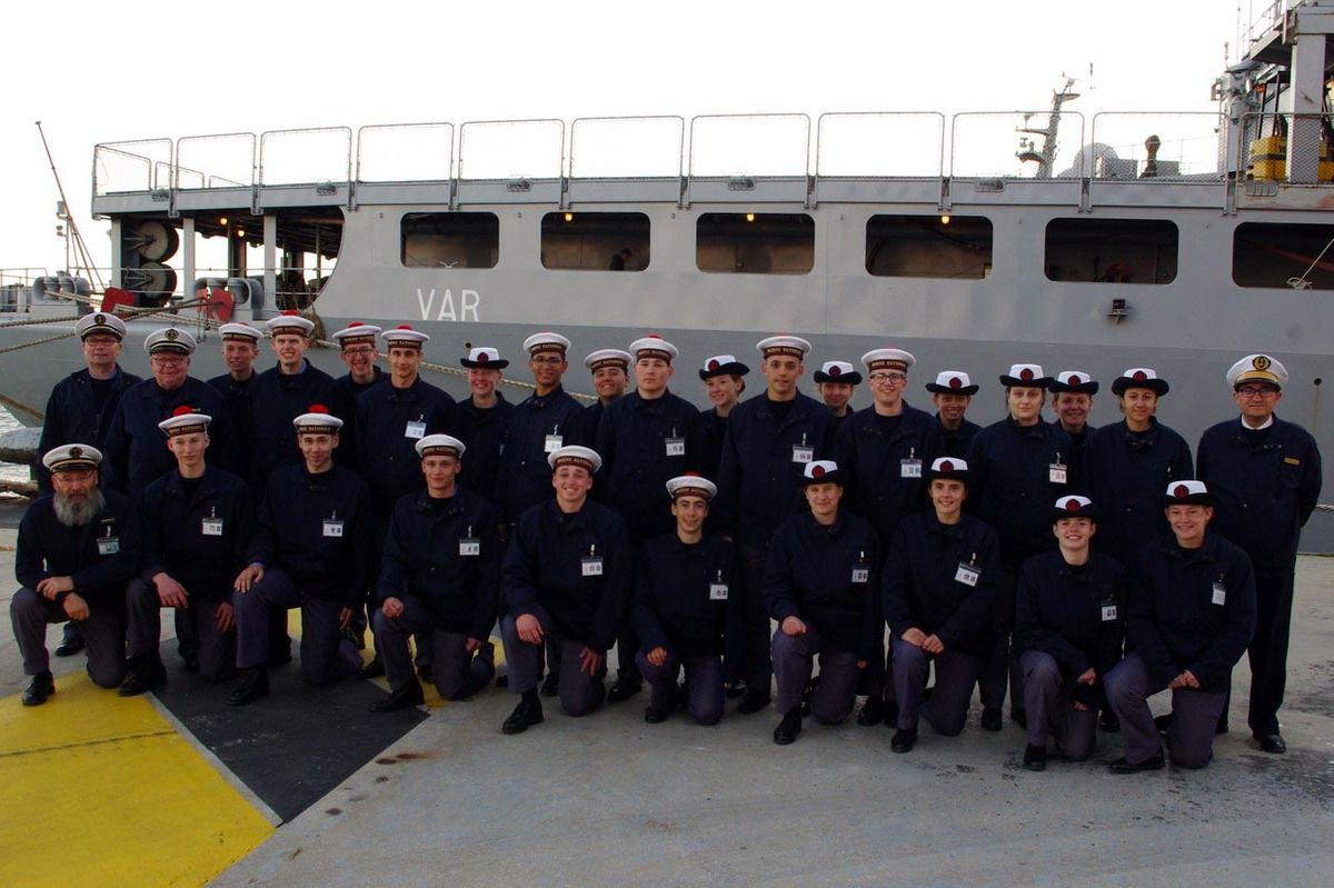 Le groupe de Bourg-en-Bresse lors de sa sortie en mer sur le BCR Var.