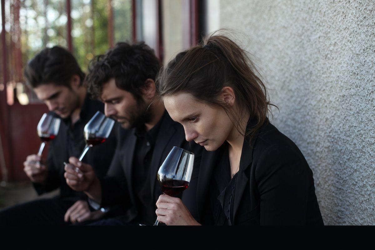 CE QUI NOUS LIE, un film de Cédric Klapsch, avec Pio Marmaï, Ana Girardot et François Civil.