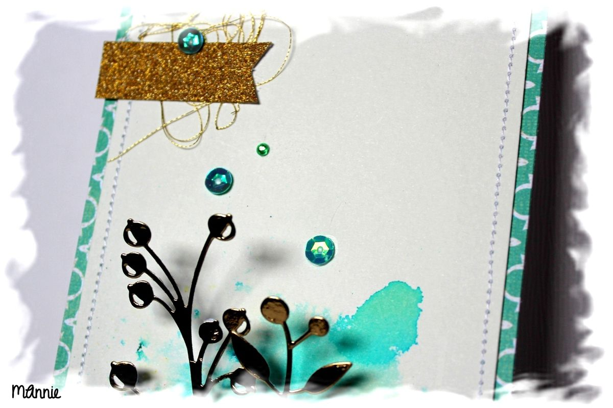 papiers aquarelle , Basic Grey &#x3B; brusho sea green &#x3B; découpes dorées offertes par Irène &#x3B; tampon Simply Graphic