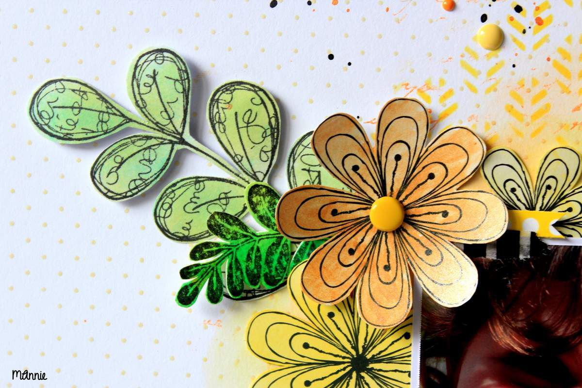 les fleurs ont été découpées dans  un papier Infocréa (que  j' ai depuis  très  longtemps ! ) puis encrées.