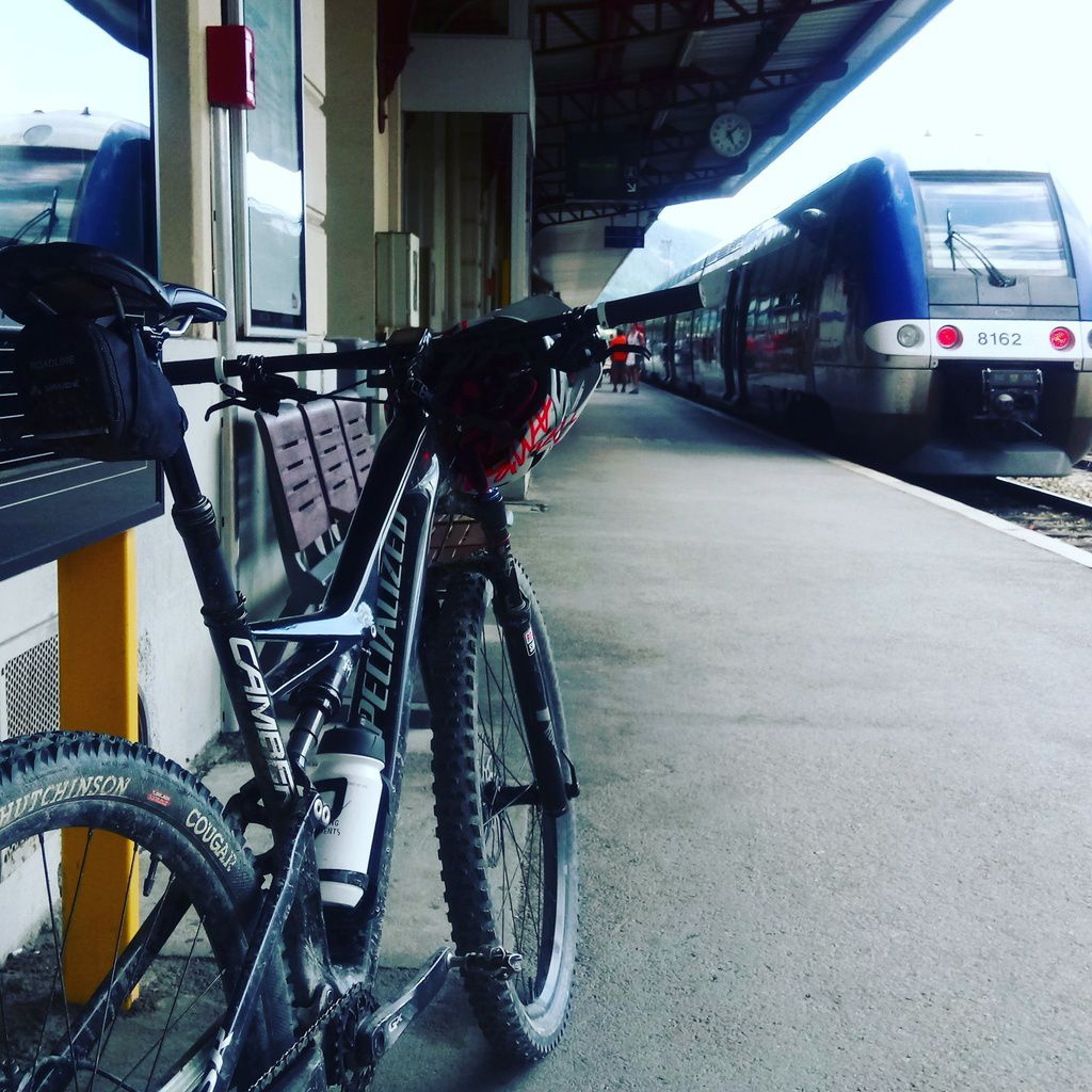 On attend le train...