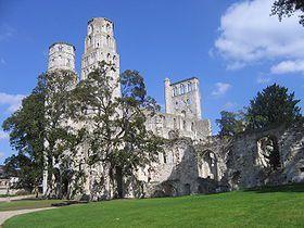 Abbaye de Jumièges, démolie par les Réformés le 8 mai 1562