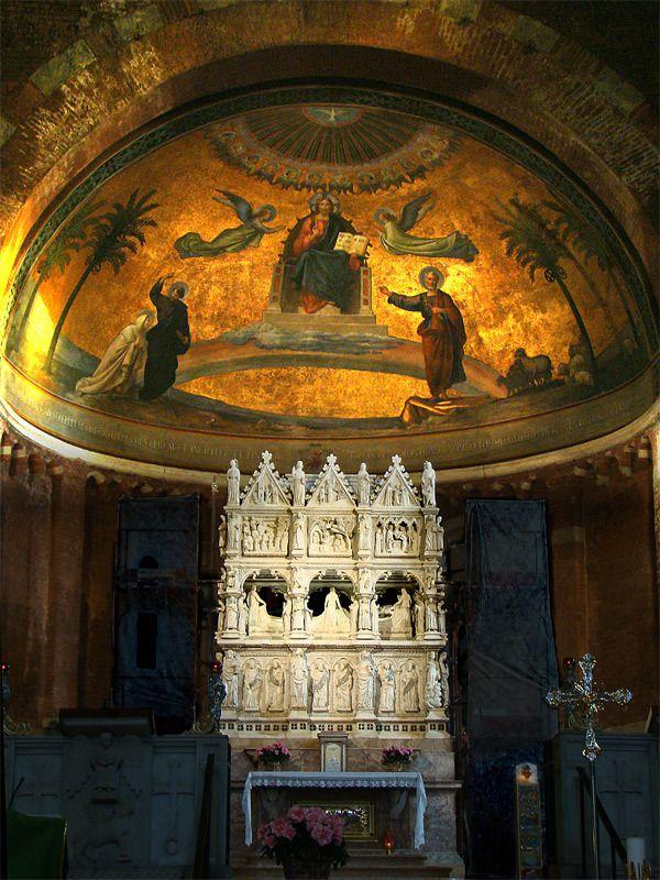 Tombe de saint-Augustin à la basilique San Pietro in Ciel d'Oro à Pavie.