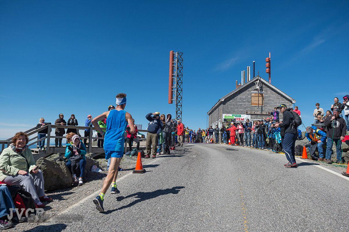 Mount Washington Road Race 2015. Luca Cagnati (Team Dynafit), conquista un'onorevole quarto posto in una delle più prestigiose gare di corsa in montagna su strada