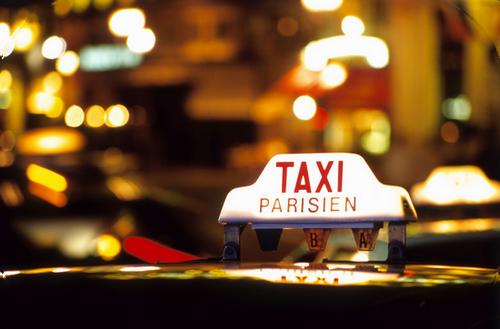 Exercer le métier de taxi en France (vidéo)