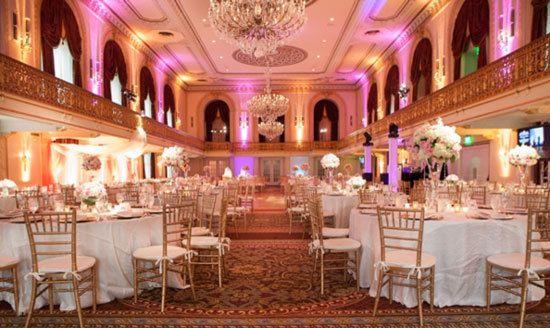 Decoration Salle De Mariage Blanc Et Dore : Décoration mariage rouge blanc doré idées et d