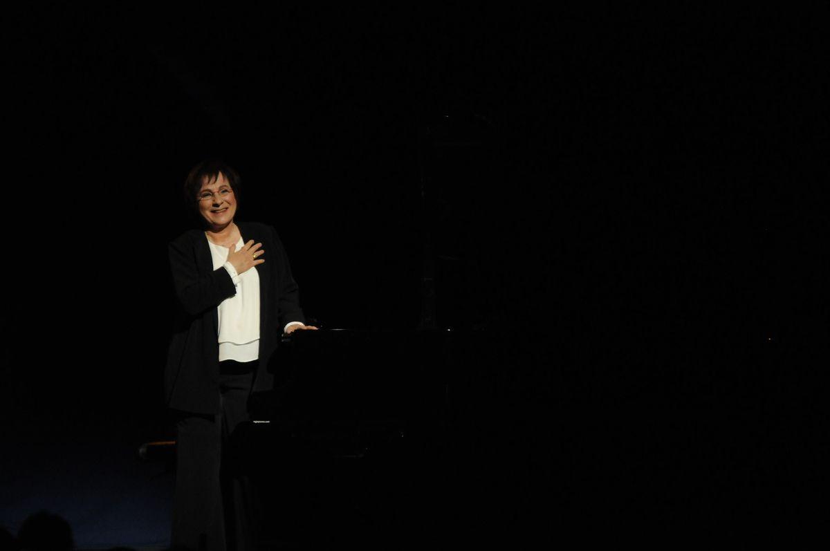 Marie Paule Belle, magistrale sur scene &quot&#x3B;Comme au cabaret&quot&#x3B; !