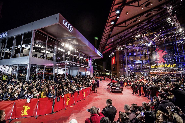 Juliette Binoche petillante à l'ouverture de la Berlinale 2015 !