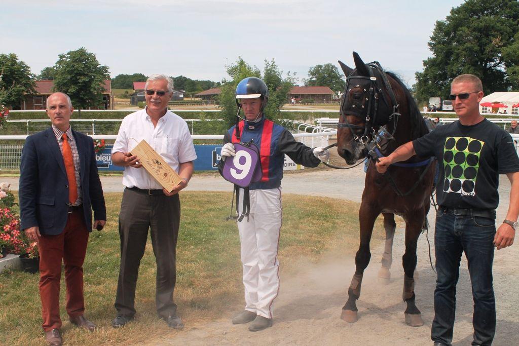 Huit courses ce dimanche 7 juin sur l'hippodrome lignièrois de la Celle-Condé dont trois premium de trot attelé ...