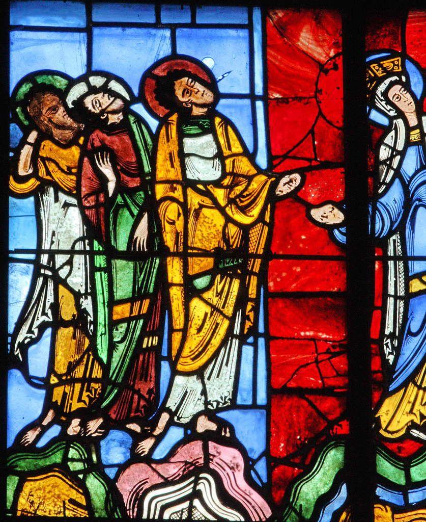 Baie XVI, registre supérieur gauche : trois apôtres à la droite de la Vierge (v. 1140-1145)..
