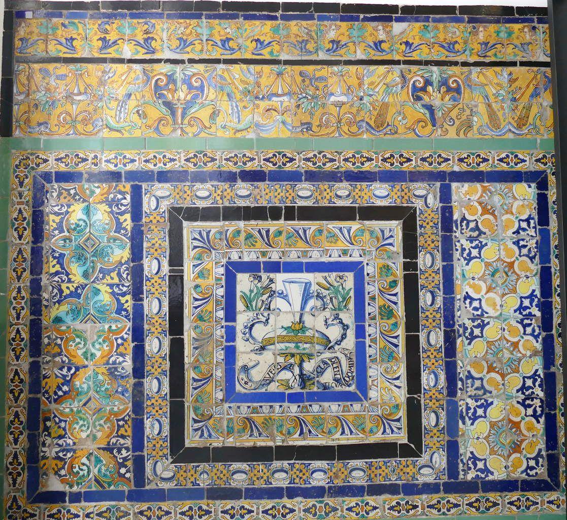 Ave Maria, Azulejos, provenant d'un couvent confisqué. Musée des Beaux-Arts, Séville. Photo lavieb-aile.