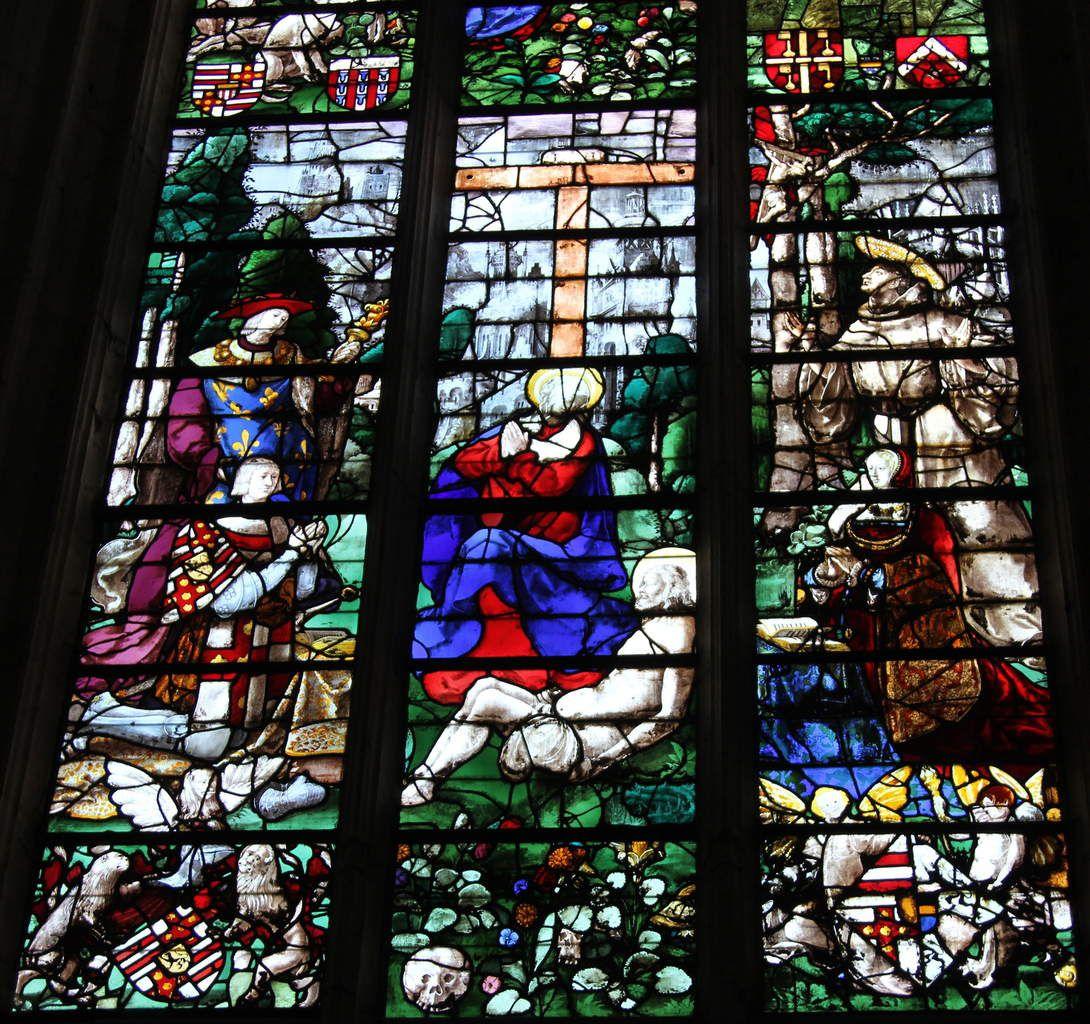"""Vitrail de Roncherolles, 1522, chapelle """"du Sacré-Cœur"""", cathédrale de Beauvais, photo lavieb-aile."""