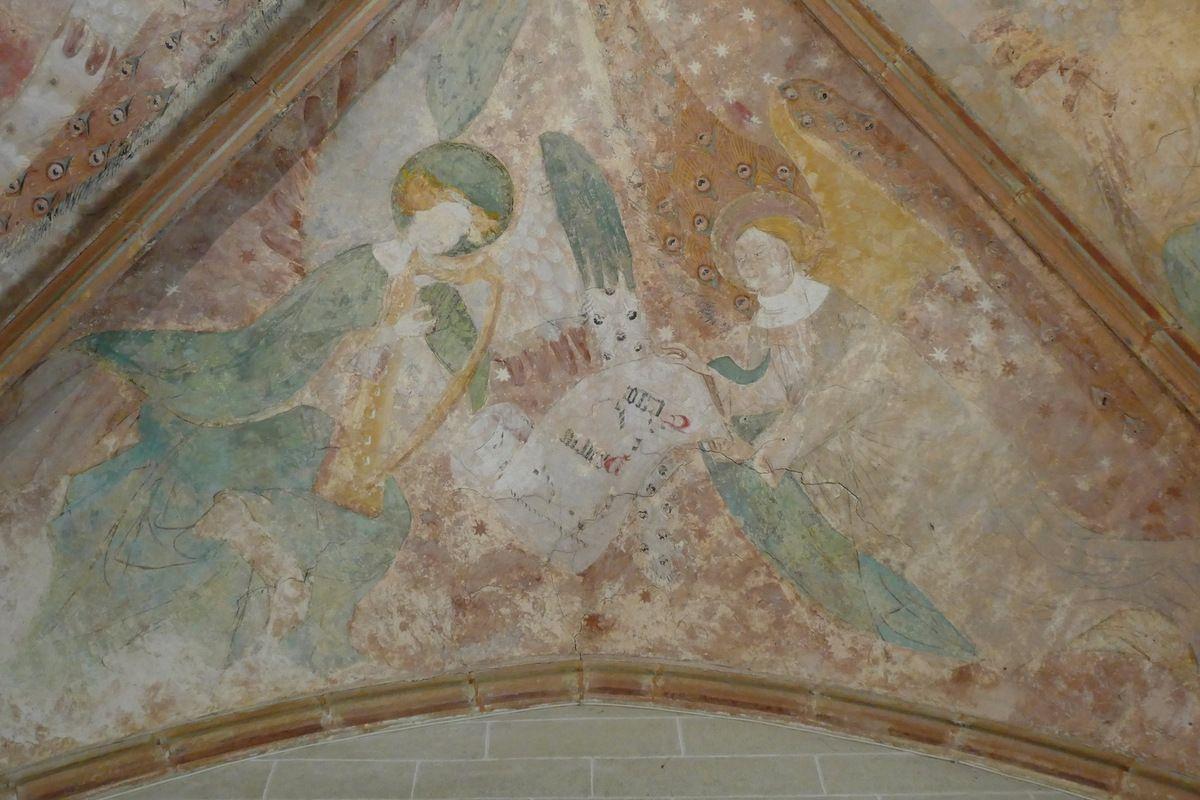 Voûtain I à l'est (vers le chœur) : Patrem. (Credo ?). Harpe . Transept nord, église Notre-Dame de Kerascléden. Photographie lavieb-aile.