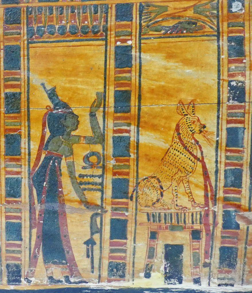 Loges 9 et 10, Cuve du cercueil de la chanteuse d'Amon Hatshepsout , XXIe dynastie, Musée de Grenoble, photo lavieb-aile.