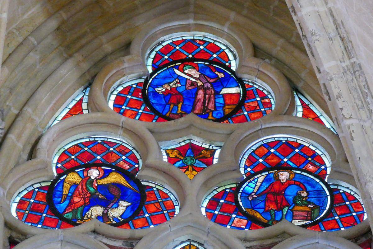 Tympan, Sacrifice d'Abraham,  baie 202, Arbre de Jessé et Enfance du Christ, cathédrale Saint-Gatien de Tours, photographie lavieb-aile.
