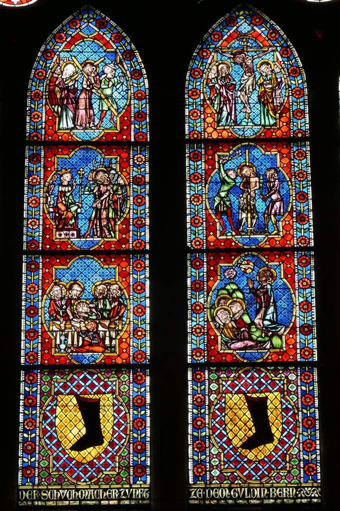 Lancettes de la  Passion,  Verrière des Cordonniers (Schuhmacherfenster), nef de la cathédrale Notre-Dame de Fribourg-en-Brisgau. (1320). Photographie lavieb-aile.