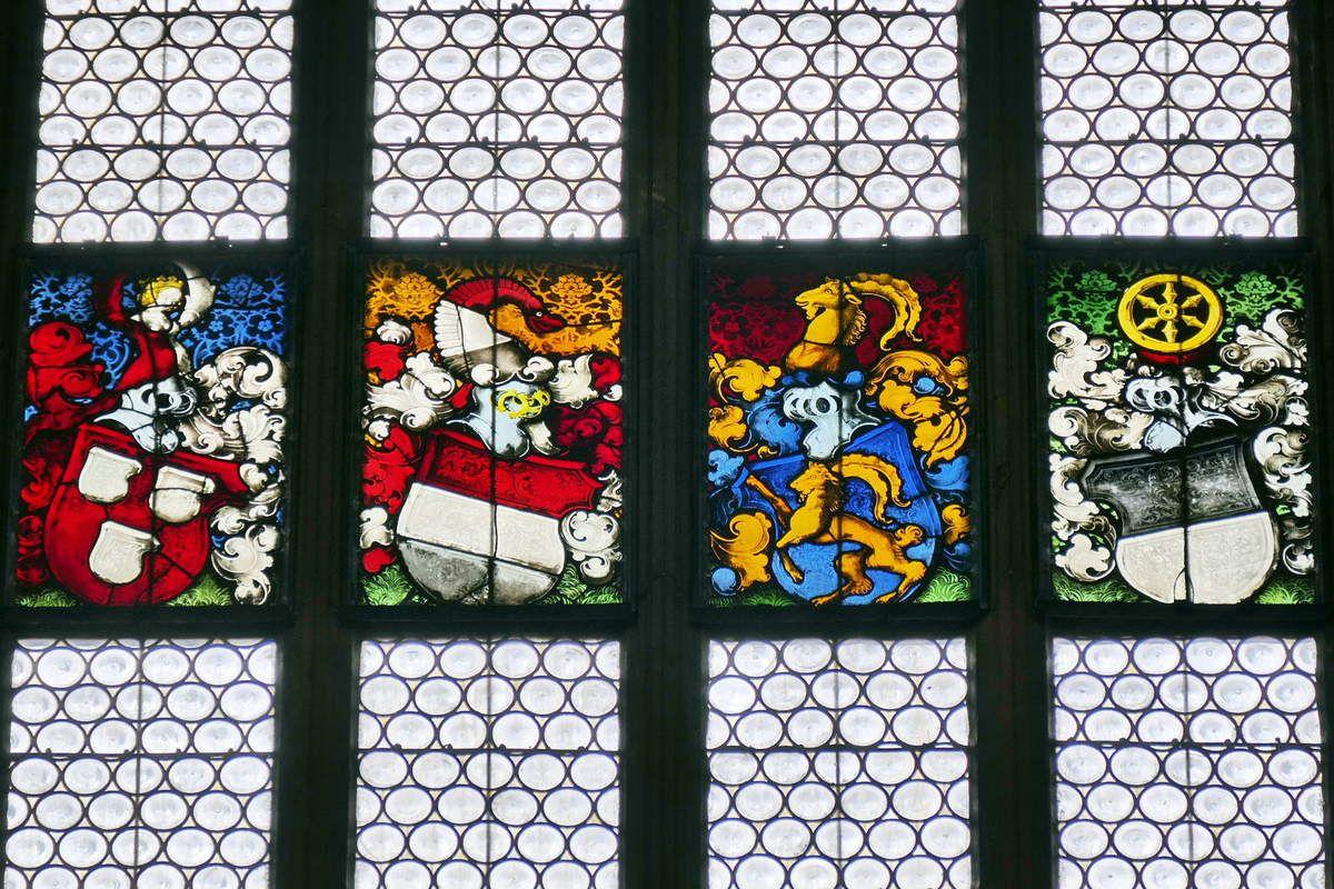 Blasons de la 8e Fenêtre haute du nord du chœur, cathédrale de Fribourg-en-Brisgau, photographie lavieb-aile.