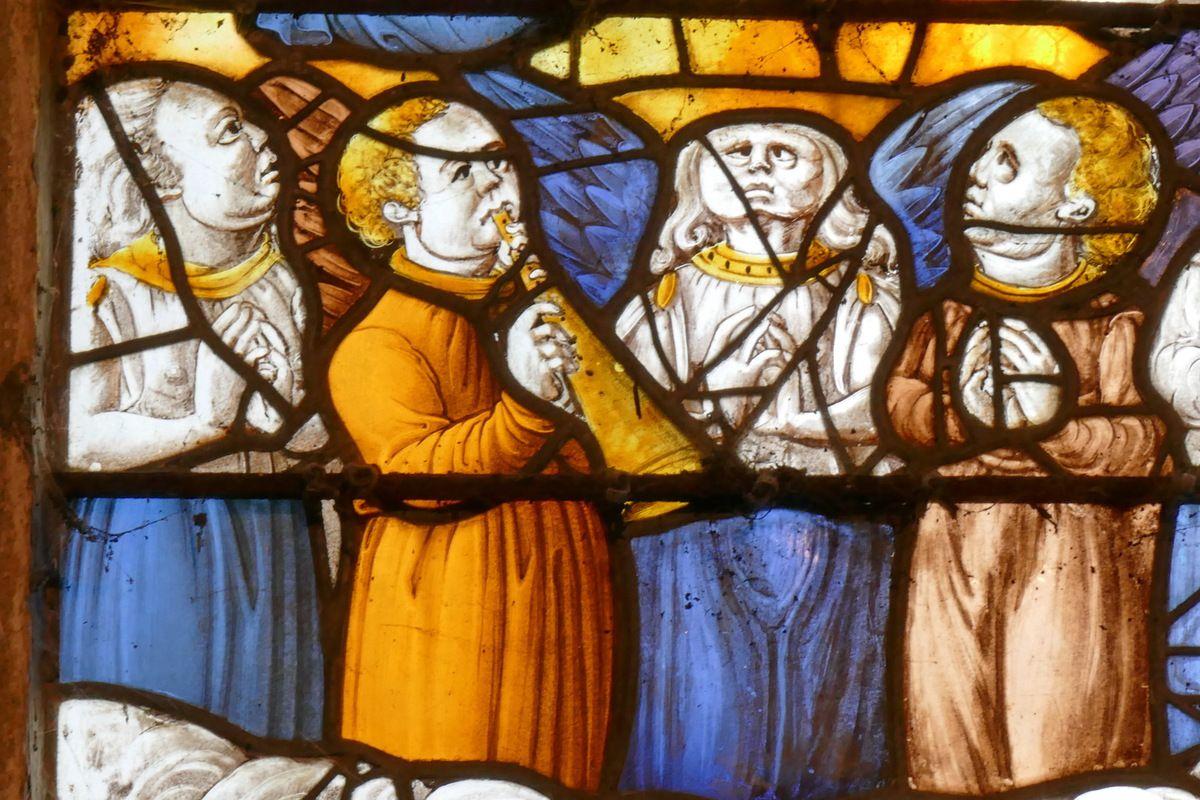 Couronnement de la Vierge, Verrière de la Dormition et du Couronnement de la Vierge, chapelle Notre-Dame-du-Crann, Spézet. Photographie lavieb-aile.