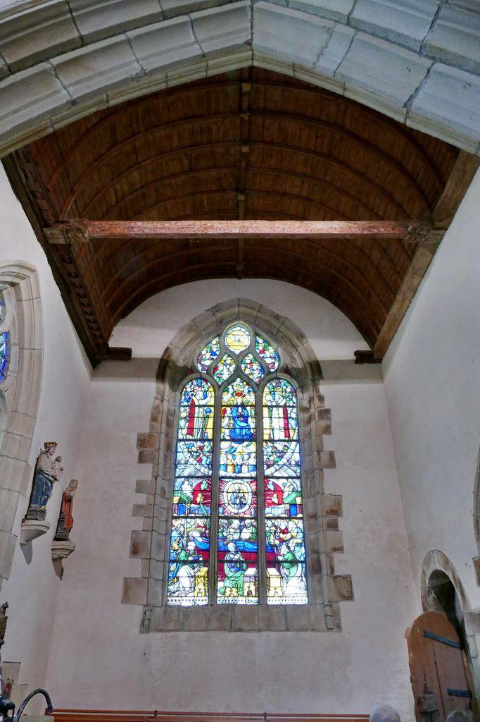 Vue du bras sud du transept, chapelle Notre-Dame-du-Crann, Spézet. Photographie lavieb-aile.