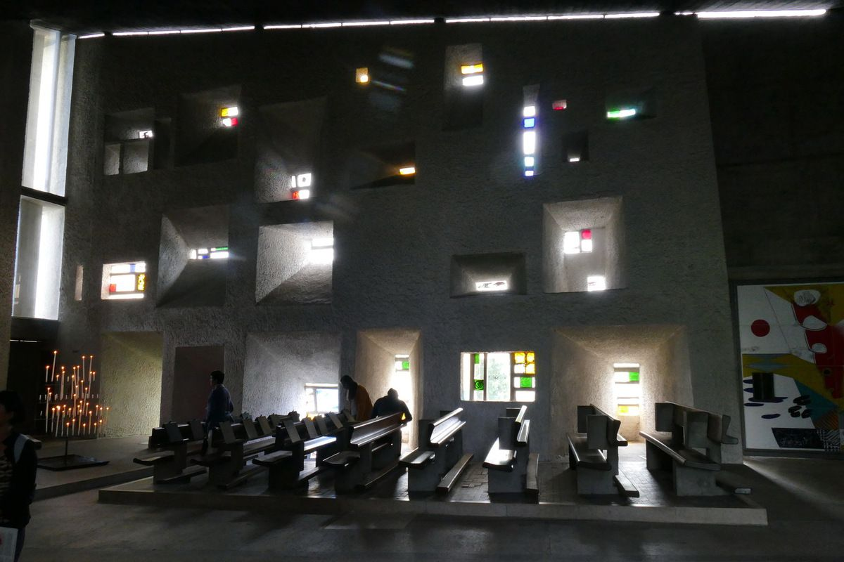 Le mur de lumière, Chapelle Notre-Dame-du-Haut, Ronchamp , photographie lavieb-aile.